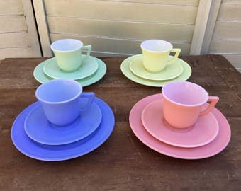 Vintage Hazel Atlas Child's Play Set Cups Saucers Plates Pink Yellow Green Blue 12 pieces