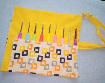 Crochet Organizer/ Crochet Case/ Hook Organizer/ Crochet Hook Case/ Crochet Storage Case/ Makeup Brush Roll/ Makeup Organizer