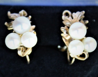 Vintage MING'S 14kt Yellow Gold  PEARL EARRINGS
