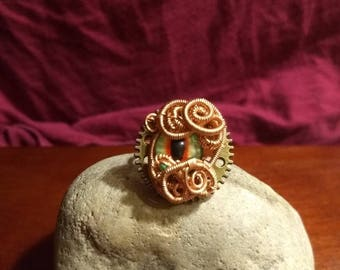 Green and red dragon eye steampunk ring with raw copper