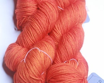 Hand Dyed Worsted Weight Yarn 100% merino - Highlighter
