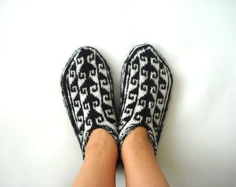 xl womens slippers, small size Mens Slippers  Turkish Socks, knit socks slippers, womens mens socks, knitted slippers for small feet of men