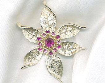 Sarah Coventry FASHION FLOWER Pin - 1967  SALE 10.00