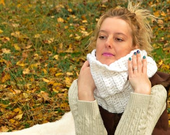 Crocheted chunky infinity scarf for women  Scarf gift mom Gift for her Gift for girlfriend Christmas gift chunky oversized infinity scarf
