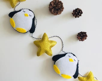 Christmas Penguin Star Garland