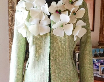 Jacket with cloth flowers
