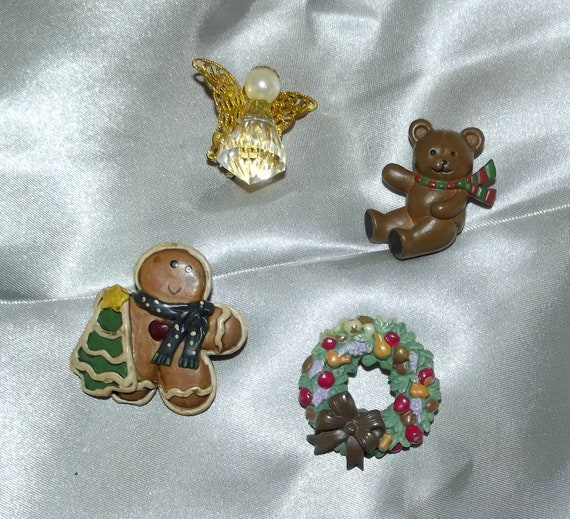 Puppy Bows ~ vintage resin Christmas pin lapel collar pinbacks angel gingerbread man teddy bear wreath gold green