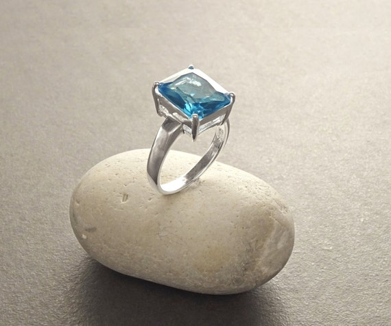 Rectangle Blue Ring - Sterling Silver - Classical Geometric Design - Lab Topaze Jewelry - Blue Stone Ring - Comfortable Dainty Ring