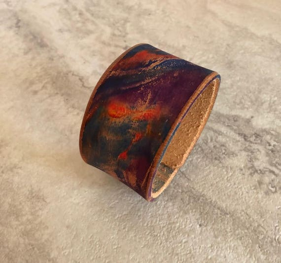Handmade Essentials Women's Hand Dyed Marbled Leather Cuff Bracelet (Size 6.25)