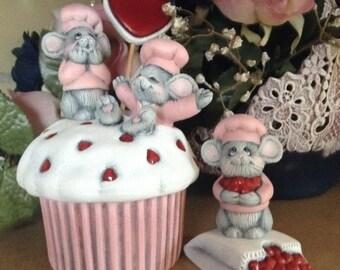 Ready to paint ceramic cupcake