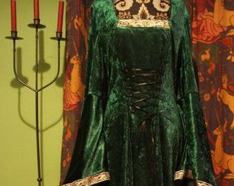 Beth Dress in grün, Gothic, Celtic, Mittelalter, Hexe Kleid. Plus Größe, UK 18 und über