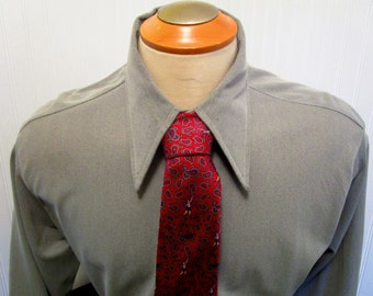 "60s 16 1/2"" Marcel of Paris Nylon Knit Big Collar Shirt Cement Gray & Boulevard Club Red Silk Tie"