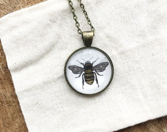 Bee Pendant Necklace - Glass Cabochon Necklace - Bee Necklace - Illustrated Pendant Necklace - Pendant Necklace
