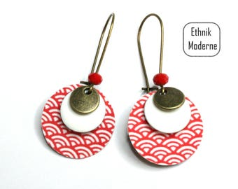 Red Asian motif earrings