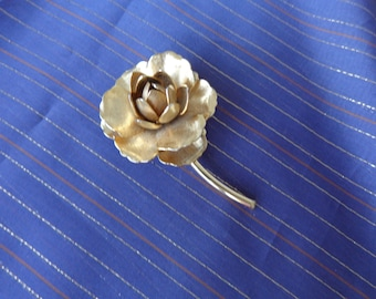 Rose Brooch - Beautiful gold tone rose brooch Large flower with stem  excellent condition