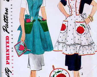 Vintage 1952 Bib Apron with or without Ruffle Sewing Pattern Simplicity 4064  Applique'
