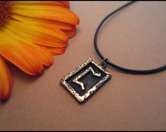 Viking Perthro Rune Pendant - Woman