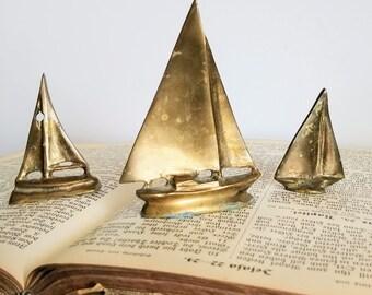 Trio of Vintage Brass Sail Boats. Nautical Decor Metal Art. Tropical Decor. Beach Theme. Boho Decor. Sailing. Sail Boat. Nautical. Mom gift