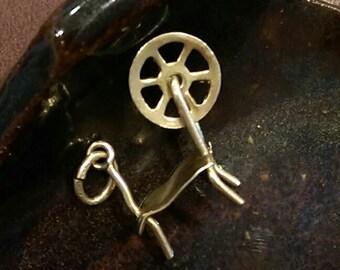 Vintage 10 k kt gold mechanical spinning wheel charm or necklace pendant