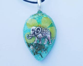Elephant Charm Real Flower Moss Glitter Necklace  Green Resin Pendant Nature Bohemian Boho Jewelry