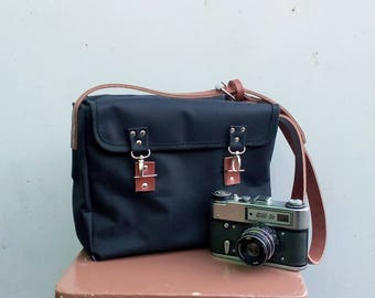 Сamera bag with leather strap waxed canvas, waxed canvas messenger bag, Camera bag, black messenger bag, satchel bag