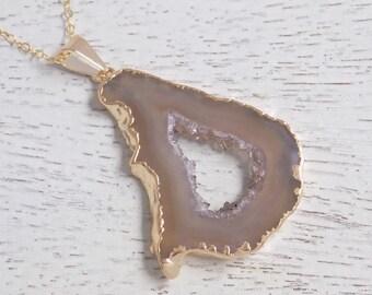 Natural Geode Necklace, Slice Geode Necklace, Beige Geode Slice Necklace, Geode Druzy Pendant, Gold Geode Necklace, 14k Gold Fill Gift 10-30