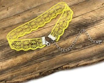 LEMONADE: yellow lace choker