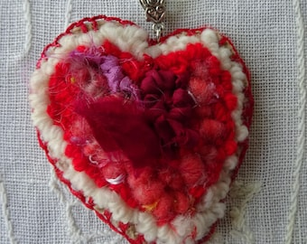 Si possible : Textile jewellery