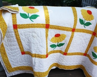 Vintage Quilt - Hand Quilted -  Queen size, with Flowers -  Hand pieced /Appliquéd, not used
