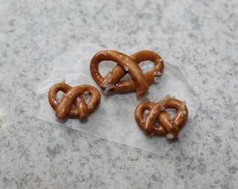 Miniature Pretzels (3pc) ~ Dollhouse food