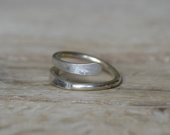 Unique Spiral Ring