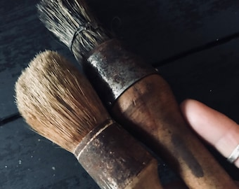 Antique Paint Brush 2 with real hair, nice patina, wonderful craftsmenship,antique, vintage