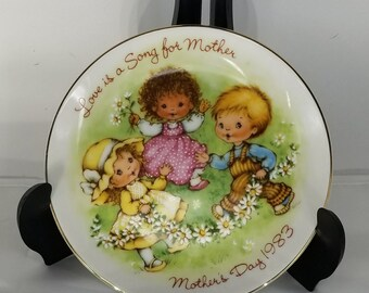 Mother's Day Plate 1983- Love is a Song for Mother
