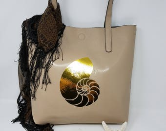 "Chic Beige & Black Reversible Tote w/ 6"" Gold Metallic Nautilus Shell"