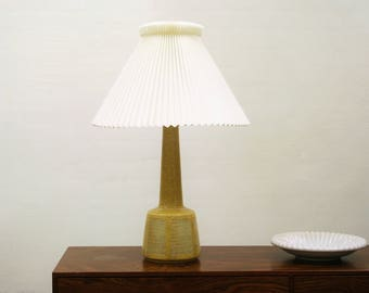 Ceramic table lamp from Palshus.