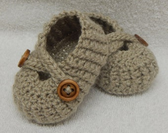 Crocheted baby shoes, handmade baby shower gift, beige baby booties, knitted baby footwear, baby boy shoes, CHOOSE COLOUR and SIZE