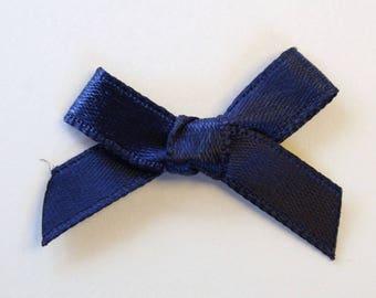 25 x 7mm Satin ribbon bow: Navy - 02358