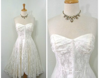 White Lace dress Sweetheart strapless Vintage 80s Floral Lace Pearl beaded Bride dress Small