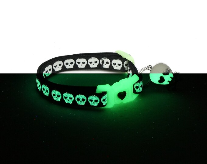 Skull Cat Collar - Glowing Skulls on Black - Small Cat / Kitten or Large Cat Collar - Glow in the Dark