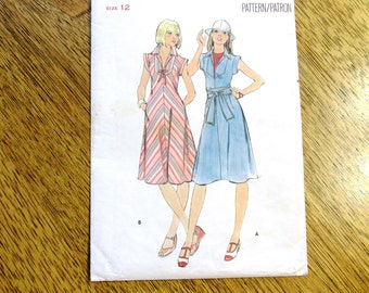 "HIPPIE 1970s A-Line Fit and Flare Dress / BOHO Summer Dress - Size 12 (Bust 34"") - VINTAGE Sewing Pattern Butterick 4835"