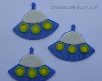 12 edible ALIEN UFO SPACESHIP alien icing cake decoration cupcake topper decoration party wedding anniversary birthday engagement cookie