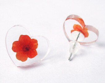 Pressed flower heart - colored dried flowers nature jewelry earrings