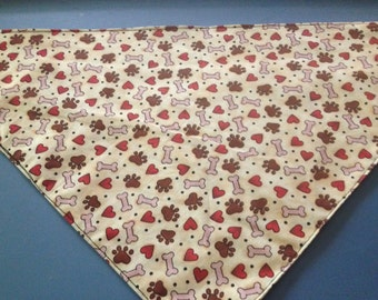 "28"" Doggy bandana: brown paw prints with hearts and bones"