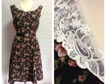 Vtg Lace Collar Rose Print Dress/ small to medium