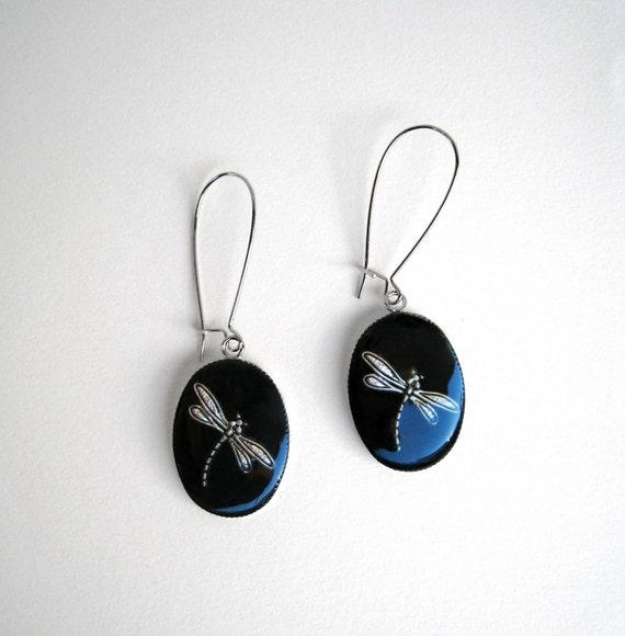 Dragonfly earrings, black earrings, black resin earrings, boho chic jewelry, long earrings, animal nature insect, lightweight earrings