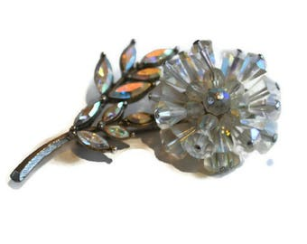 Vintage 3D Flower Brooch // 1950's Clear Aurora Borealis Floral Brooch Silver Tone Metal.