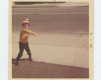 Frisbee, 1969: Vintage Snapshot Photo (72547)