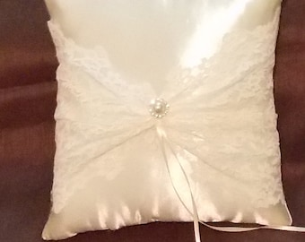 ivory lace custom made  pillow