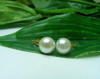 Girls Ivory Pearl Clip on Earrings, pearl earrings, ivory clip on earrings, flowergirl clip on earrings, wedding clip on earrings