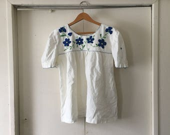 Embroidered mexican white cotton tunic